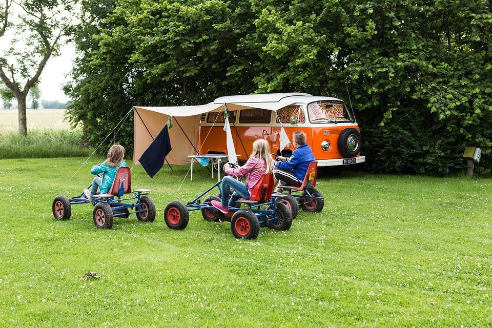 3 raisons de séjourner en camping avec toute la famille dans le Finistère Sud