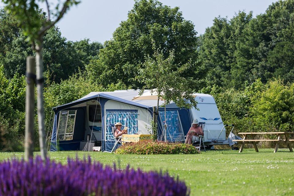Les sites incontournables pour des vacances en famille en camping dans le Finistère Sud